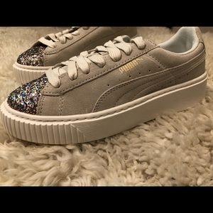 Puma Shoes - Puma Suede Platform Gem Sneaker 5cbbb5aaf